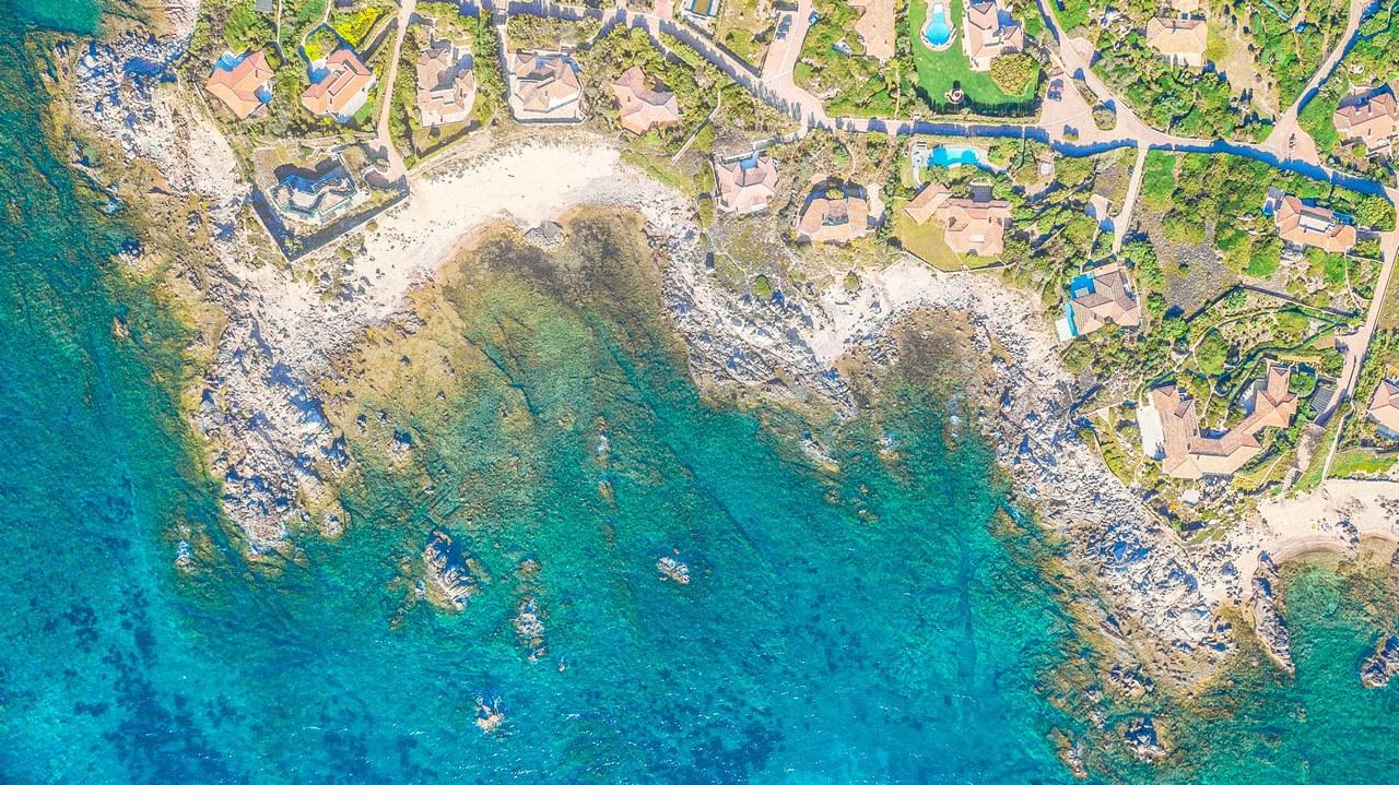 Купить виллу на сардинии на первой линии купить дом в грузии у моря недорого