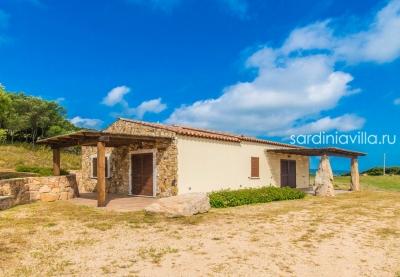 Сардиния - земельный участок с новой усадьбой на северном побережье. Вид на море, песчаный пляж в 2км. N389/000