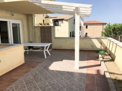 Сардиния апартаменты с видом на море в 2 минутах от пляжа, новый комплекс 2017 N377/000