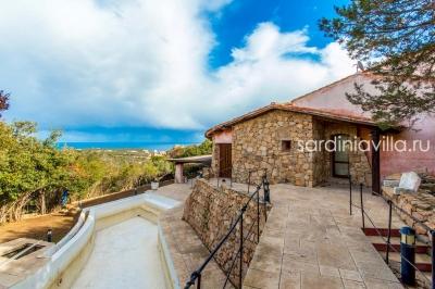 Сардиния вилла на Коста Смеральда, Порто Черво, 5 минут от пляжа Певеро, вид на море, 4 спальни, бассейн N000/364
