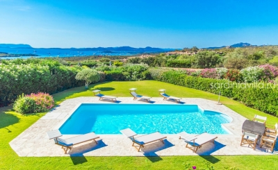 Сардиния Порто Черво вилла люкс с шикарным видом на море. Бассейн, до 14 гостей, море 900м N395/000