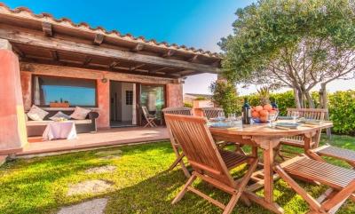 Сардиния апартаменты с великолепным видом на море и садом N398/000