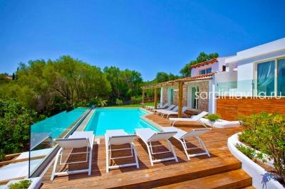 Сардиния Порто Черво вилла люкс с бассейном и сказочным видом. До 11 гостей, море 900м  N000/361