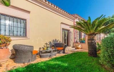 Северная Сардиния, Палау. Новый дом с садом в 1км от пляжа. До 6 гостей, дизайнерская меблировка  N392/000