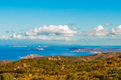 Сардиния Портобелло. Панорамнейший участок для постройки виллы или дома N000/352